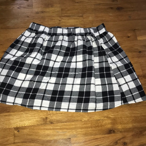 b0a0798f2b Xhilaration Skirts | Plain Black And White Checkered Skater Skirt ...